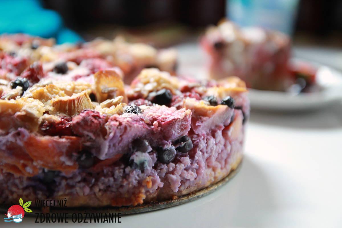 Boskie ciasto z kaszy jaglanej z owocami