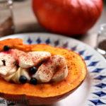 Dynia hokkaido faszerowana owocami