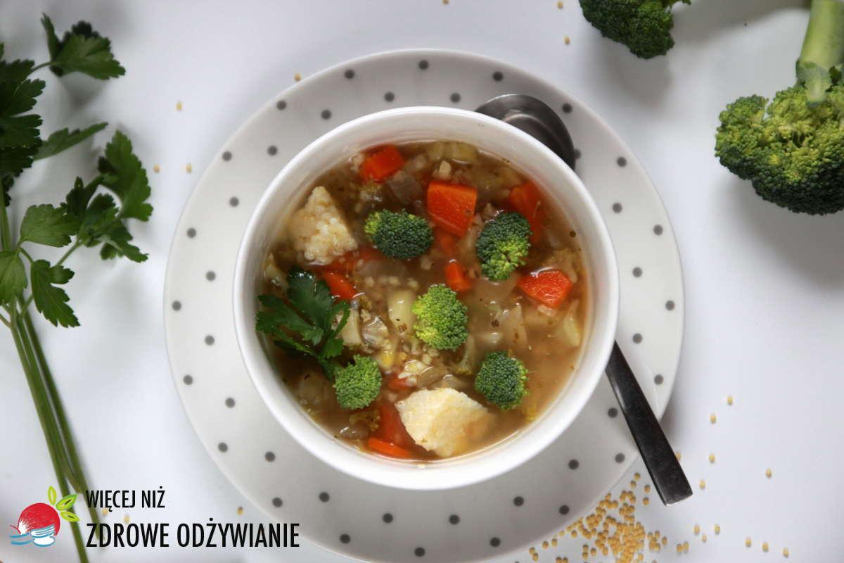 Wyśmienita zupa brokułowa z kaszą jaglaną