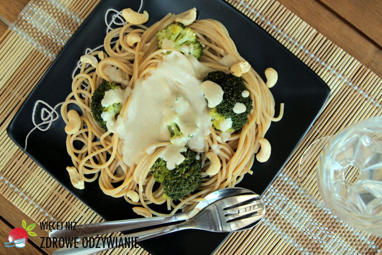 Wiecej Niz Zdrowe Odzywianie Fettuccine Z Brokulami I Sosem Z Nerkowcow