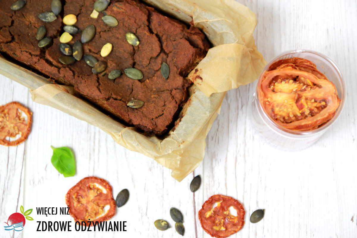 Pasztet bezmięsny z suszonymi pomidorami i pestkami dyni