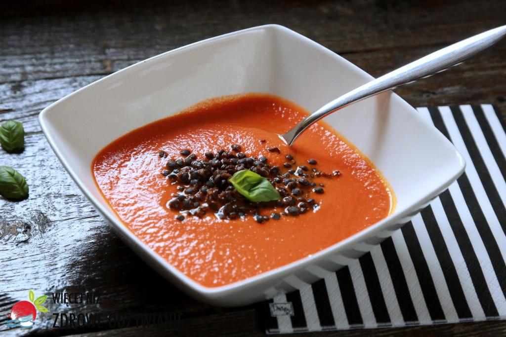 Zupa krem z pomidorów z czarną soczewicą