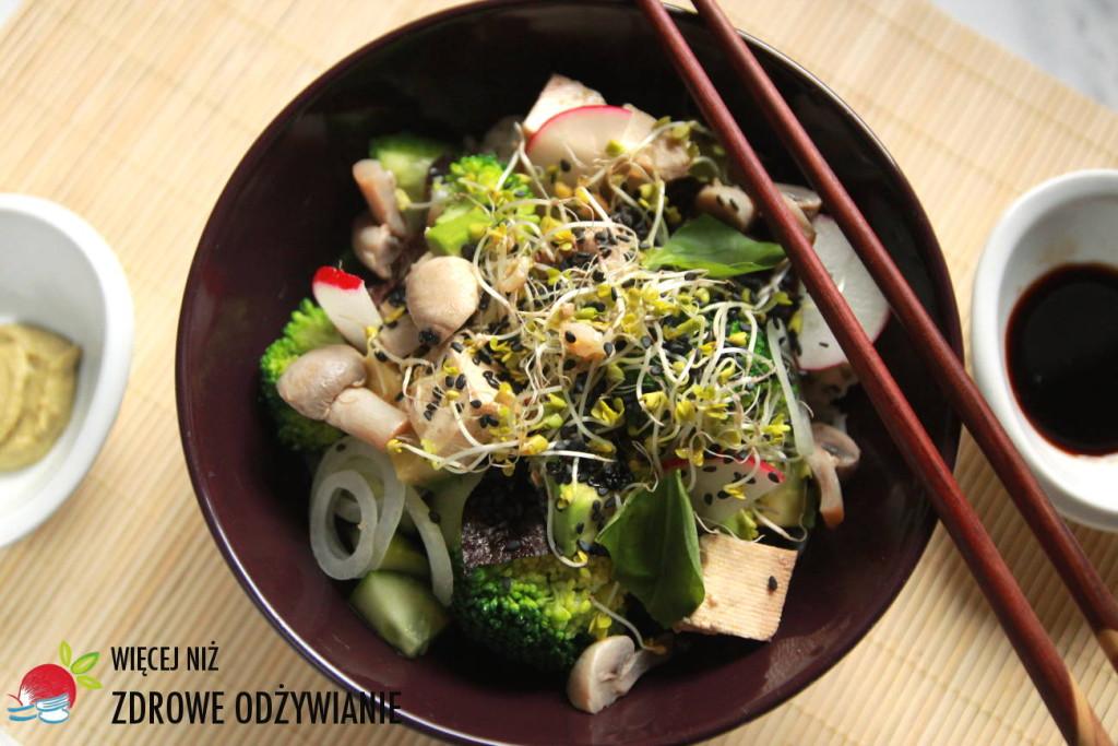 Wegańska sałatka sushi