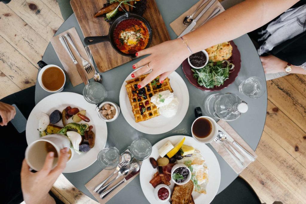Jak przekonać nastolatka do zdrowych śniadań?