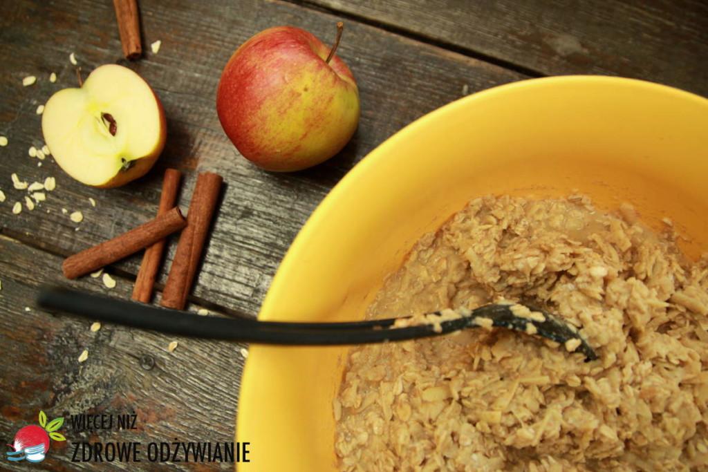 Placki owsiane z jabłkiem