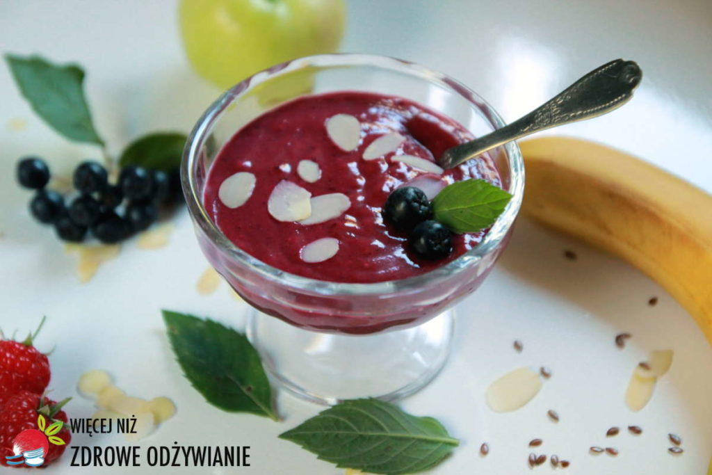 Słodki pudding jaglano-aroniowy