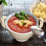 Wiosenna zupa krem pomidorowa z kokosem