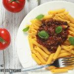 Makaron z sosem pieczarkowo-pomidorowym