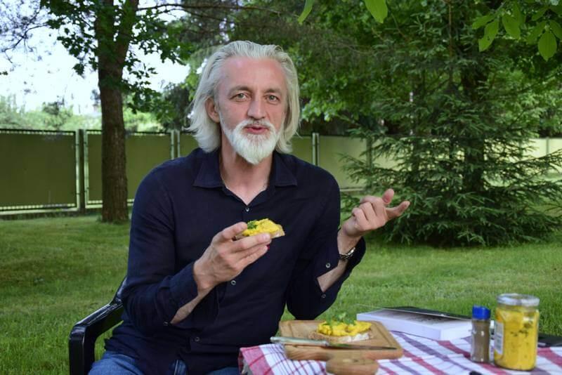 Rewelacyjny hummus z kurkumą od Janka