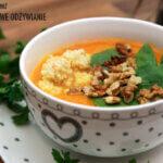 Zupa krem z dynią i orzechami włoskimi